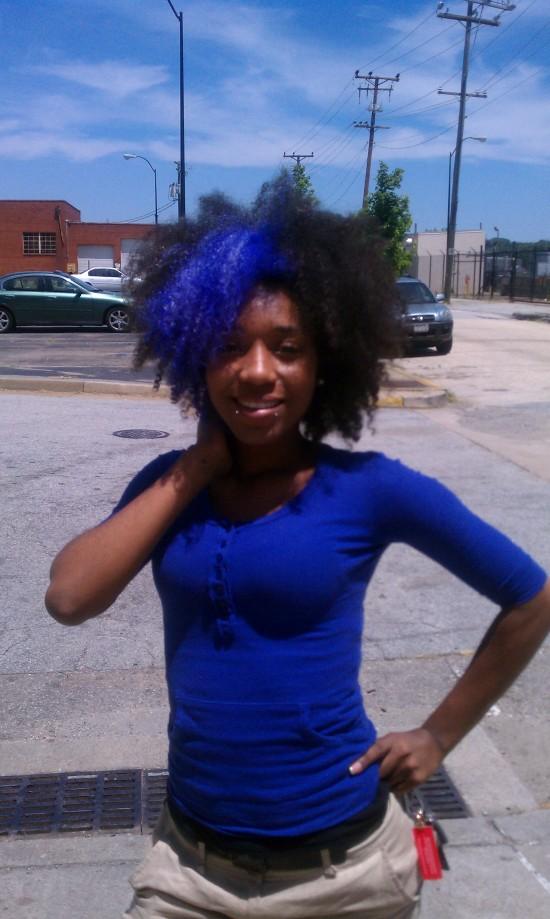 GaptoothDiva reports on MiMi's Blue Hair - Street Style Inspiration